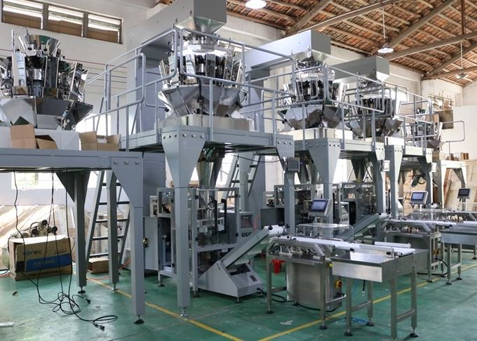 Multihead Weigher Automatic Vertical Packaging Machine PLC Control For Snack Foods / Chips / Nuts Bean